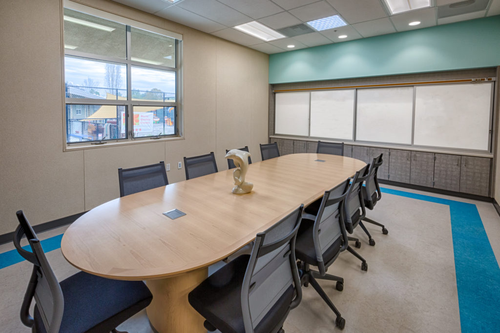 Cumming - San Pedro Elementary School Conference Room